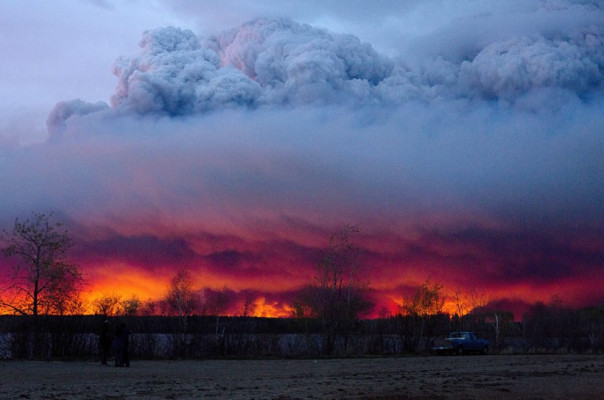 tar-sands-ft-mcmurray-fire-clouds.jpg